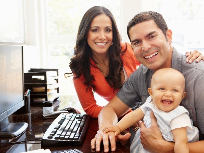 Home Office kisbabával