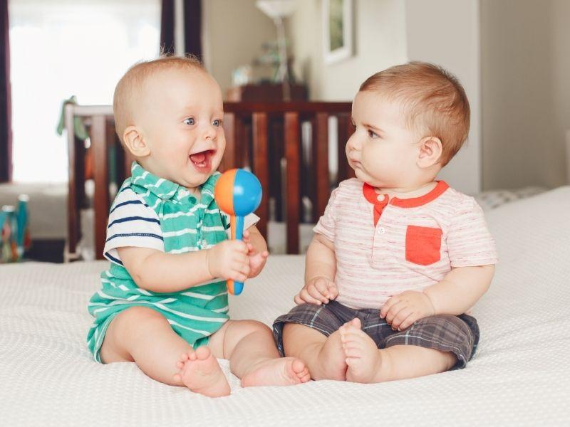 Hány hónapos korban ül a baba? Ez esetenként változó lehet
